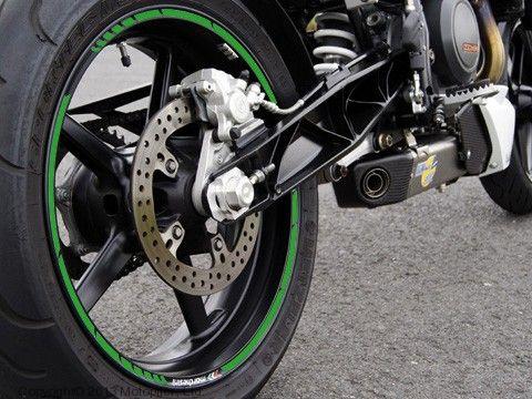 Наклейка на колесный диск GP-Style зеленый